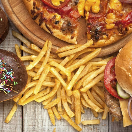 Diety wysokotłuszczowe i mięso przetworzone_VeganSportpl